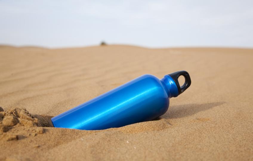水筒にスポーツドリンクは要注意! 食中毒になる可能性も