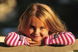 世界中の女の子に生きていく力を! 10月11日は「国際ガールズ・デー」