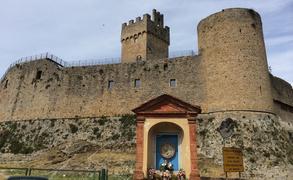 童話の世界。古城ツアーで中世へタイムトリップ