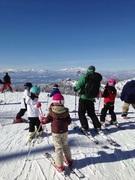 世界中を遊び場にして広がる、子どものための野外活動
