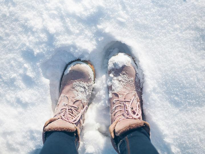 雪道で転ばない滑りにくい歩き方のコツ