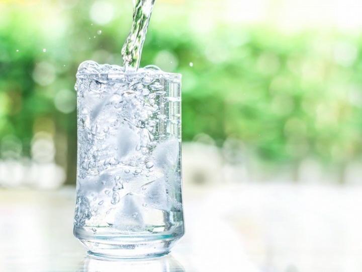 採水地、水質で選ぶ最旬レアなミネラルウォーター4選