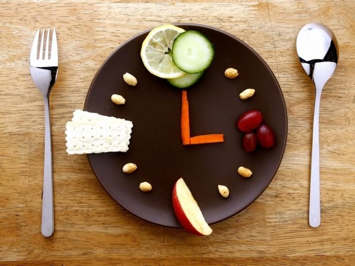 朝食は起きてから1時間以内に! ダイエットがはかどる食事時間とカロリー