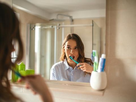 むし歯も歯周病も乳酸菌で予防できる!? オーラルケア最新Tips5