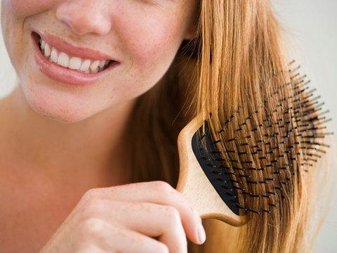 美髪アドバイザーが伝授。正しいブラッシングの方法7