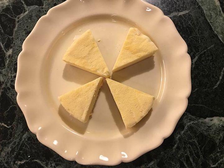 レアチーズケーキを食べて、だらだらする【こぐれひでこの「ごはん日記」】
