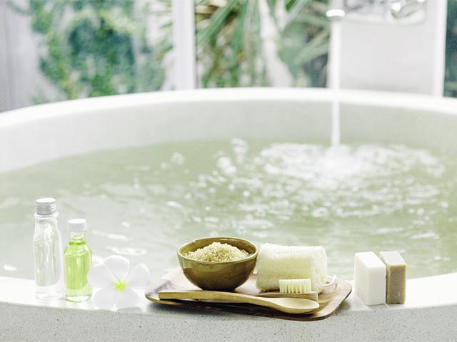 bathing_03_a.jpg