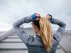 決め手は小物使い。スポーツ女子の真似したくなるこだわりヘア