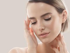 肌の美しさを目覚めさせる、注目成分配合のコスメ5選