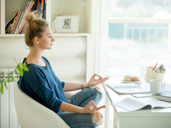 休んでも、休んだ気がしない。集中力が続かないなら「ムーブメント瞑想」を