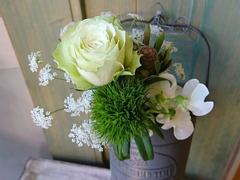 ポストに届くブーケの定期便。Bloomee LIFEが提案する「花のある暮らし」