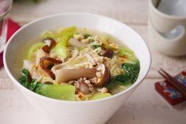 栄養バランスよし! きのこたっぷり酸辣湯麺の作り方