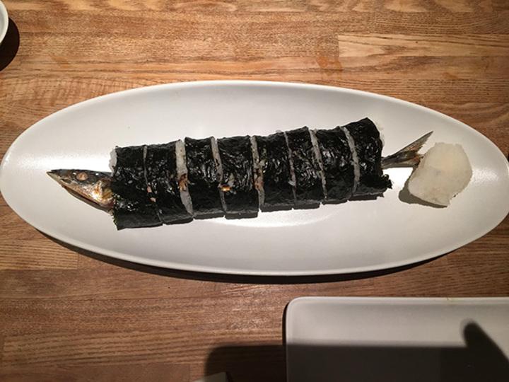 秋刀魚の巻き寿司(おお、大胆な仕上げ!)【こぐれひでこの「ごはん日記」】