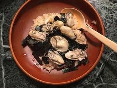 牡蠣の炊き込みご飯【こぐれひでこの「ごはん日記」】