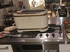 冬はキッチンの換気扇の下にて、七輪での焼肉【こぐれひでこの「ごはん日記」】