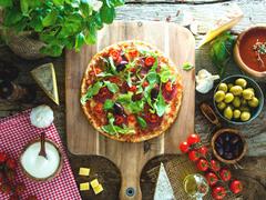週末の朝食にピッタリなブレックファースト・ピザ
