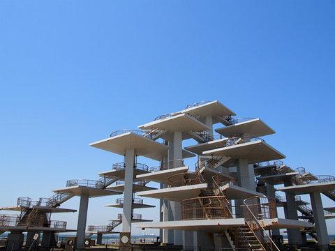 千葉県富津岬の最先端に建つ要塞「明治100年記念展望塔」へ