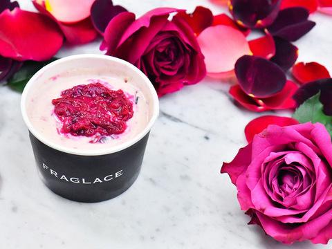 香りを食べる、バラのアイスクリームで甘美なひとときを