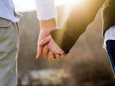 強く結ばれたカップルに共通する4つの特徴