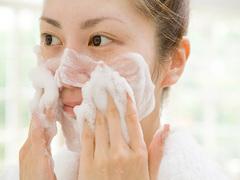 お肌を老化させる!? 8つのNG洗顔