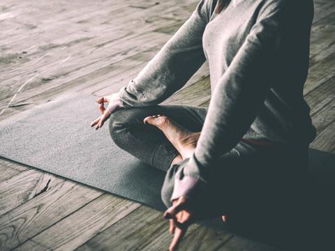 好きな時に、好きな場所で、毎日10分。続けられる5つの瞑想