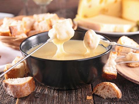 低カロリーで高タンパクなチーズ3種とダイエットレシピ
