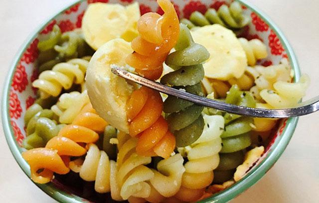 03_egg_yolk_tricolor_pasta