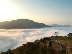 運も味方に。雲海広がる「天空の城」竹田城跡