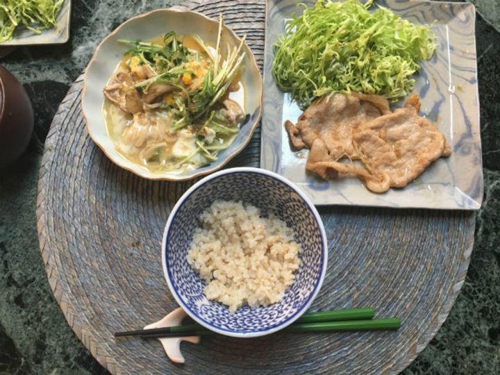 豚肉の生姜焼き(キャベツの千切り)【こぐれひでこの「ごはん日記」】