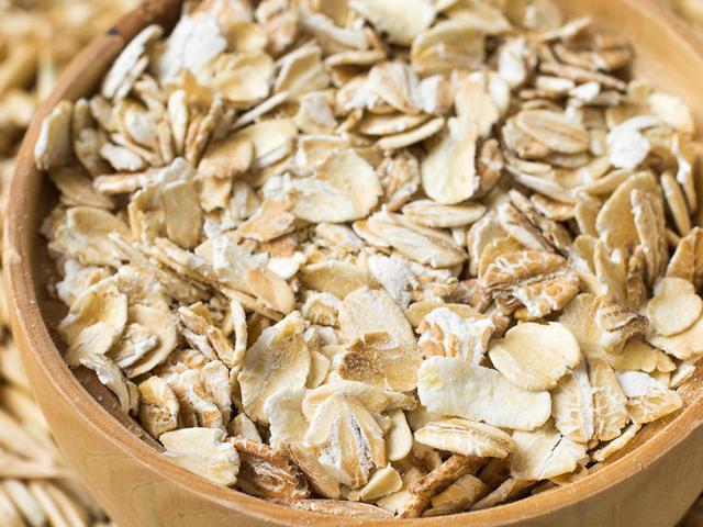 0313_shutterstock-rolled-oats-740