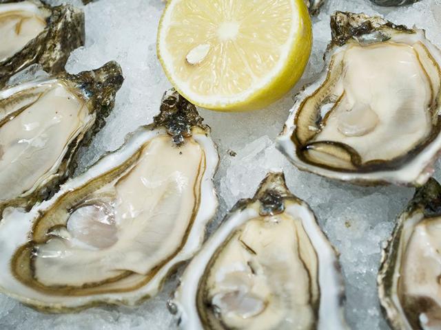 640_oystersandlemon-1000