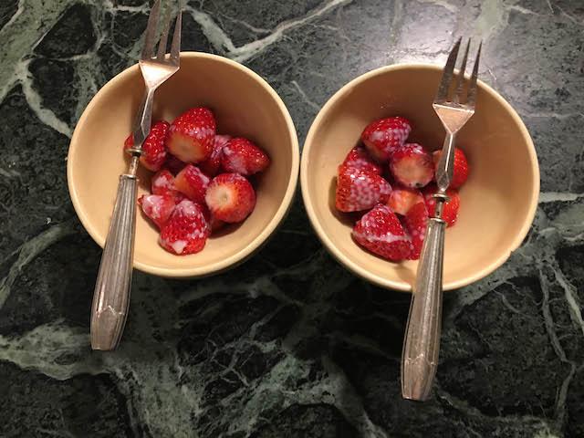 6_18.04.08夜イチゴ