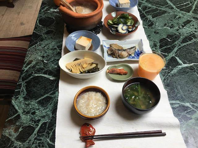 1_18.04.18朝玄米がゆ