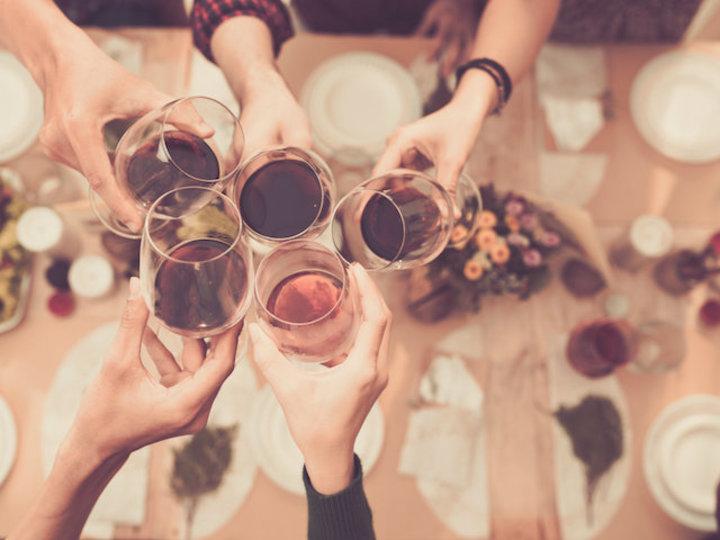 1週間に7杯を超える飲酒が寿命を縮めるという研究結果