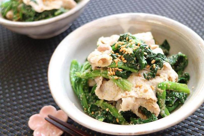 10分レシピ。鉄分の吸収率を高める、ほうれん草と豚肉のごまポン酢和え