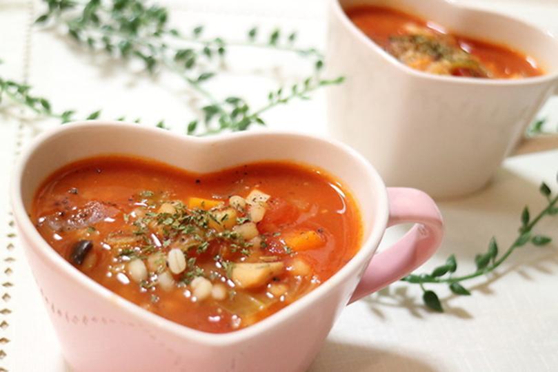 ダイエット&冷え対策! もち麦入り、具だくさんの食べるスープの作り方