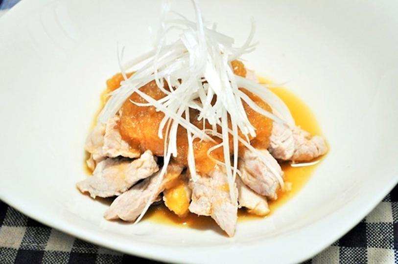 夏バテ疲れに。簡単おかず、豚肉のオニオンジンジャーソースのレシピ