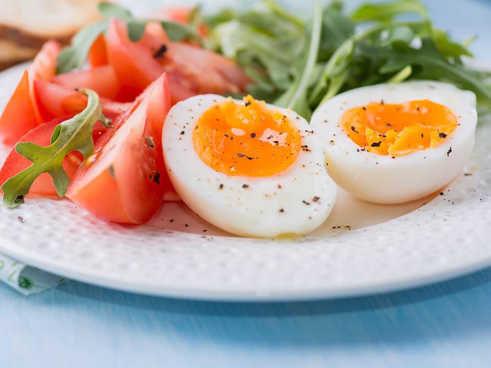 卵とトマトのサラダ