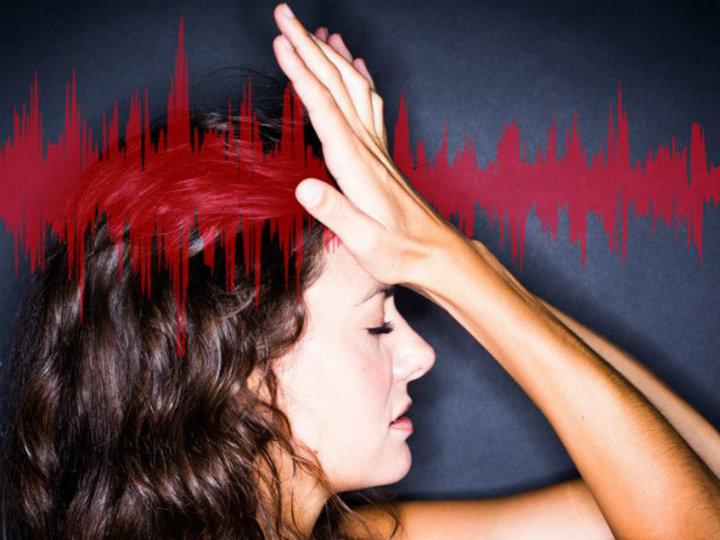 「脳動脈瘤」のせいかも。ズキズキする激しい頭痛、見過ごさないで