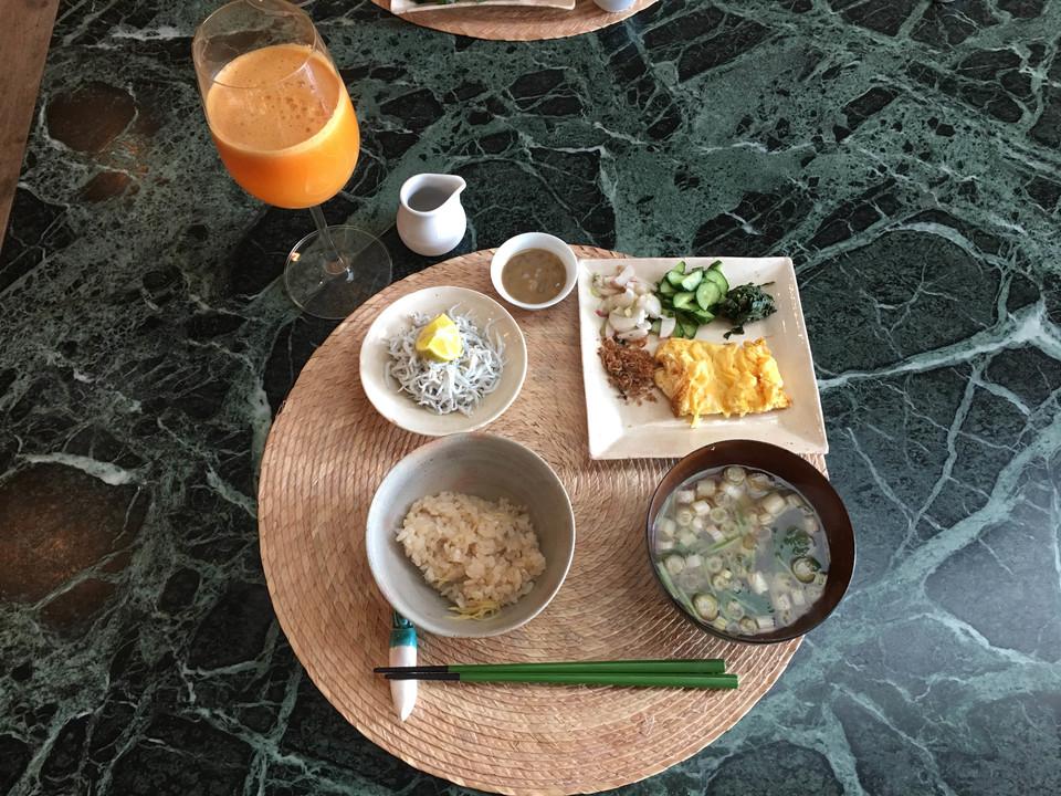 釜揚げしらす、日野菜ときゅうりのぬか漬け、しらすの佃煮