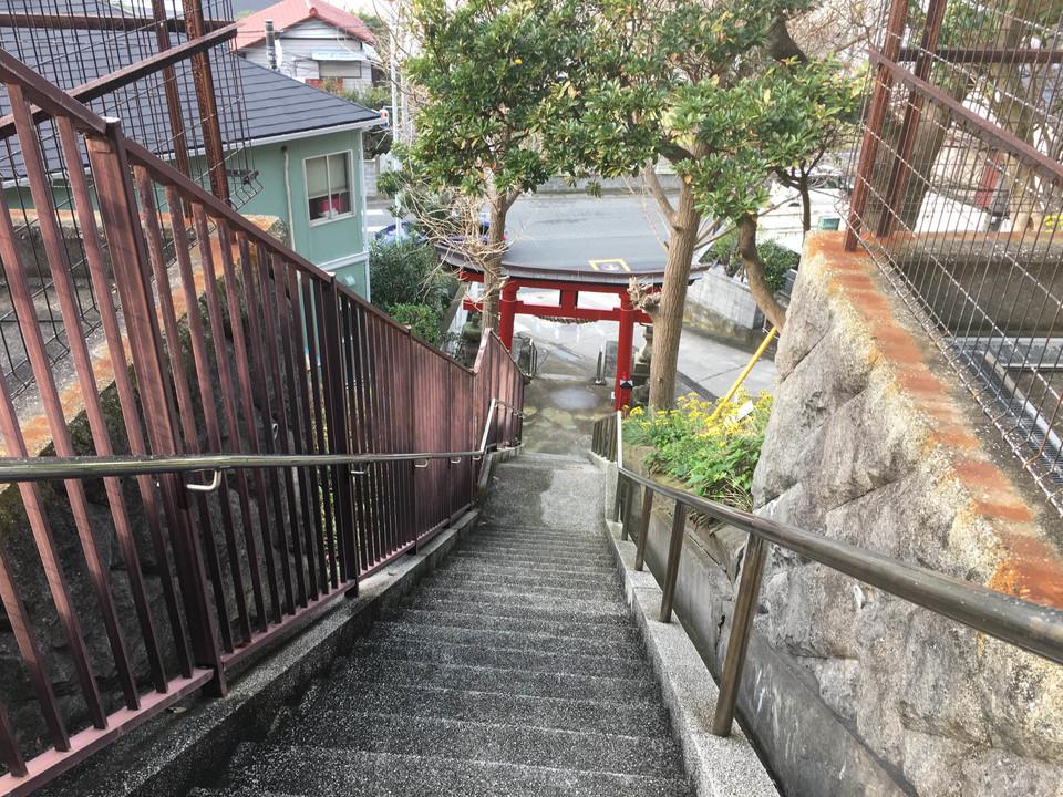 熊野神社の急な階段