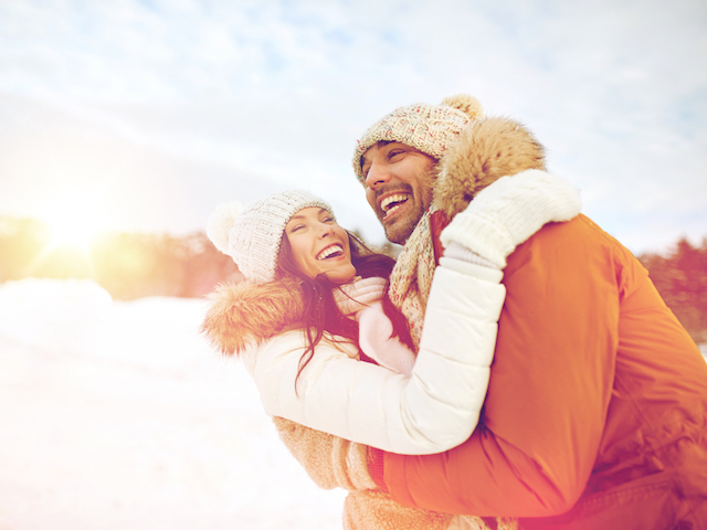 冬のカップルのデート
