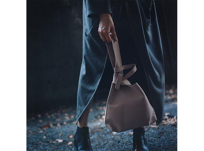 「zattu」のトートバッグ