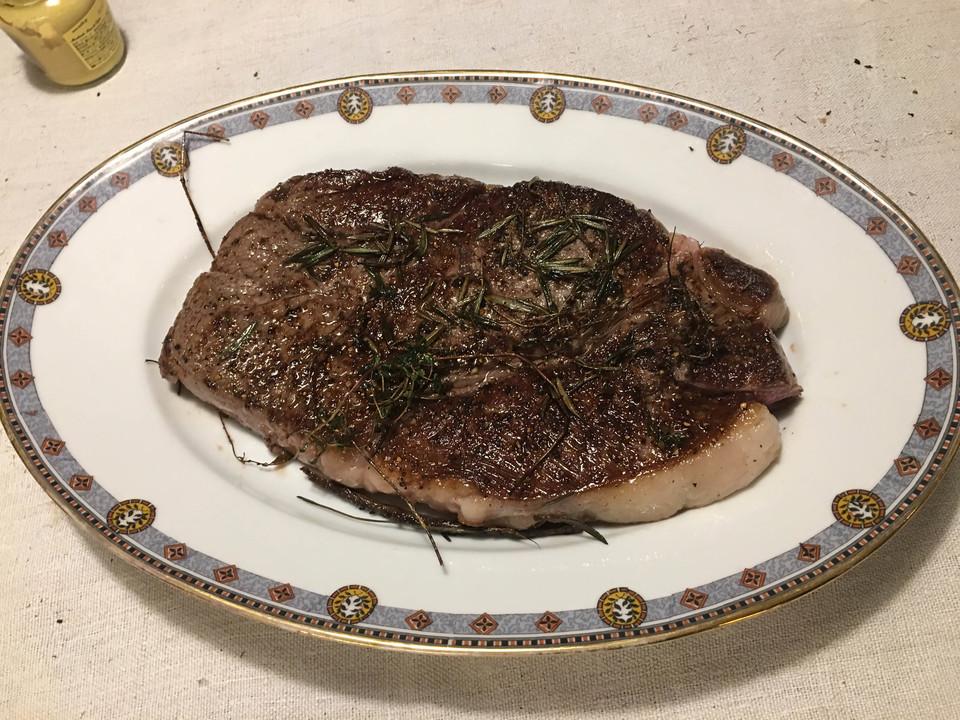 葉山牛のステーキ