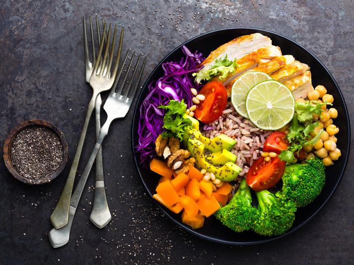 筋肉のつく高タンパク質をワンプレートでおいしく。保存できるおかず7