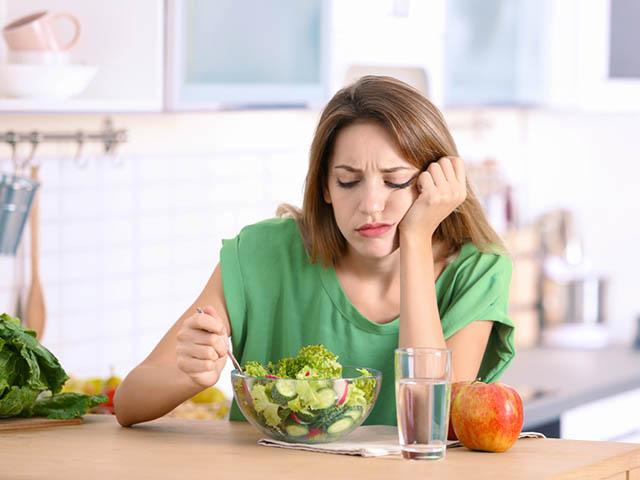 糖質オフをする女性