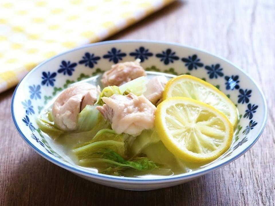 鶏肉と白菜の塩レモン蒸し