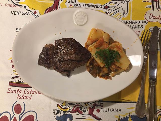 ステーキとパスタ