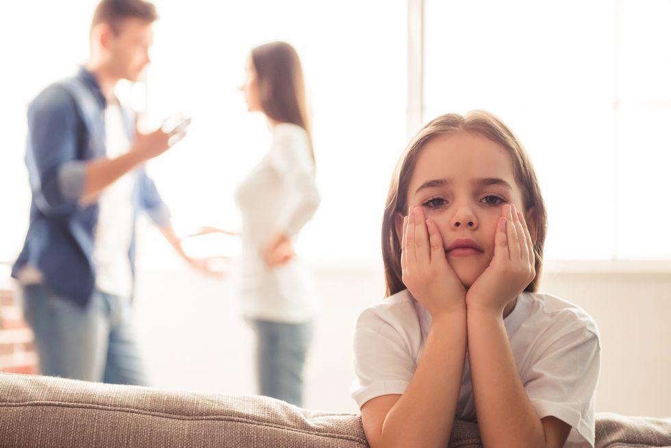 喧嘩する親