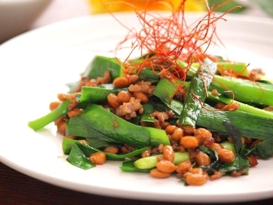 納豆と豚肉のピリ辛炒め